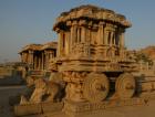 Steinerner Streitwagen im Vittala Tempel in Hampi, Karnataka, Indien